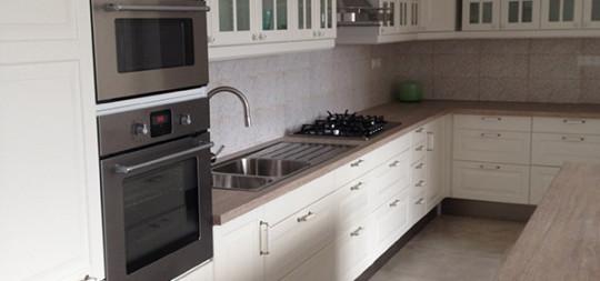 Obklad kuchynskej linky Limbach